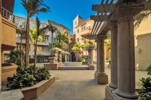Columbia-Place-Courtyard_Marina_San-Diego-Downtown